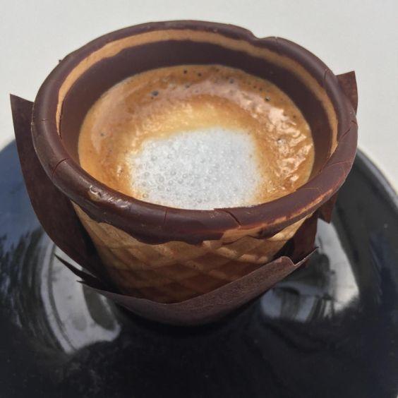 EDIBLE COFFEE CUP