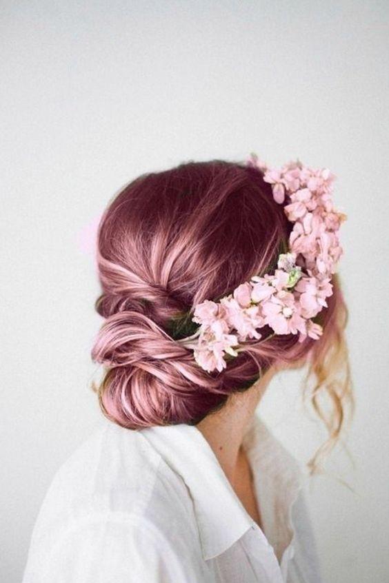 cheveux couleur licorne rose pastel