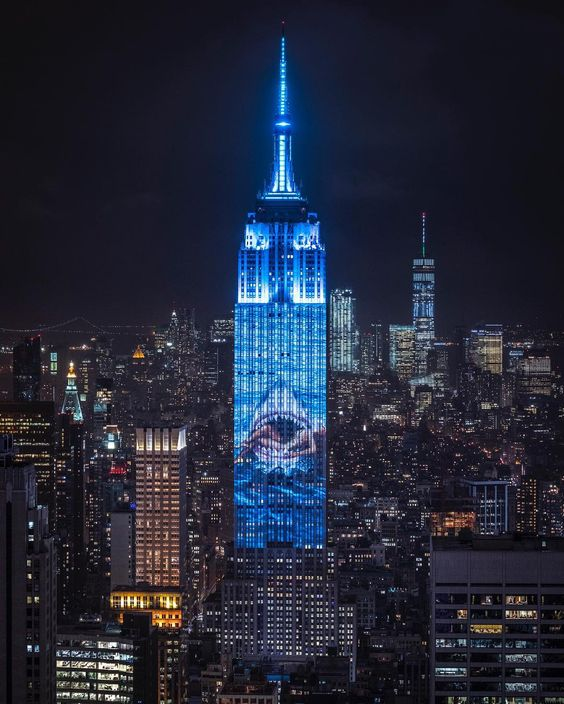 Empire State Building displays animated images.