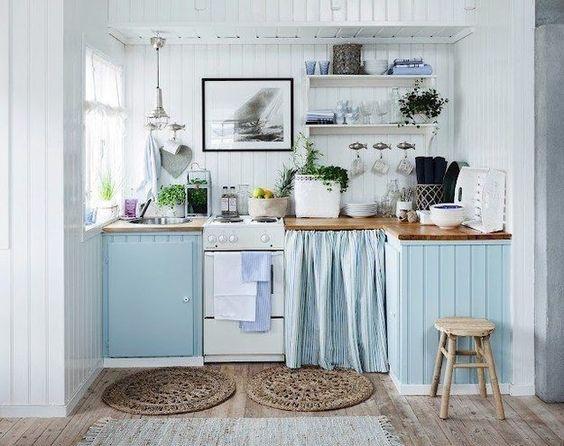 Arredare una cucina al mare - Azzurro pastello | Sea houses, Beach ...