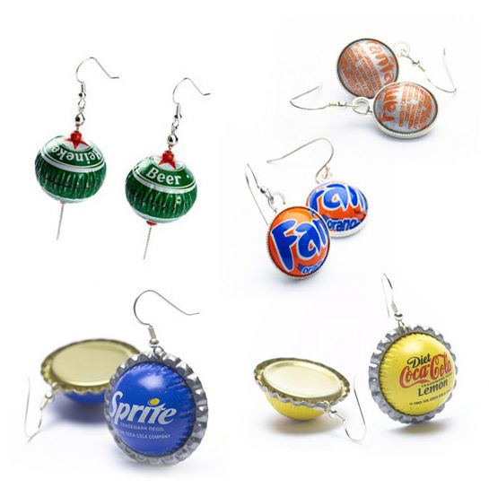 Jewelry from packaging: Rings, bracelets, necklaces and pendents are made from metal bottle caps.