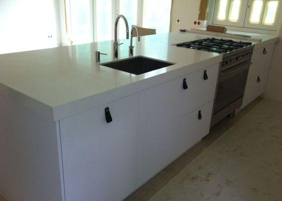 Systemat AV 6000 Polar wit met composiet wit werkblad Häcker - häcker küchen ausstellung
