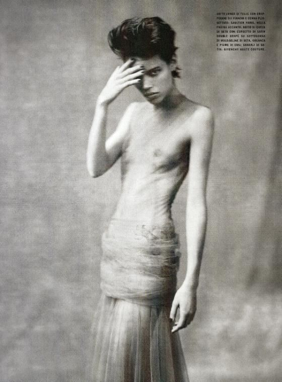 Editorial - Individuallure Vogue Italy March08 Paolo Roversi via leggy e11e @ tFS 15