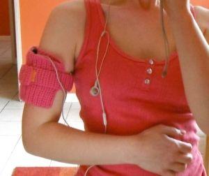 Häkelhelferlein... für's Laufen eine Armbinde zum Aufbewahren... tolle Idee... (running armband pattern)