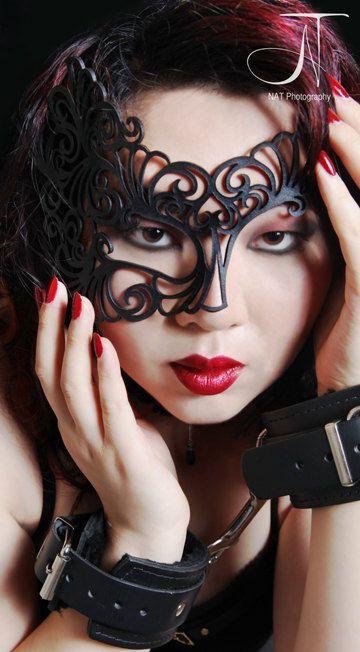 "Meia máscara em couro preto ""Roxy"" - Halloween máscara"