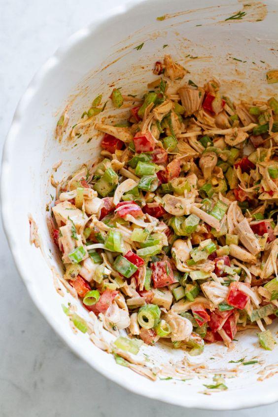 "Smoky Jackfruit ""Chicken"" Salad #vegan #picnic #healthyrecipe"