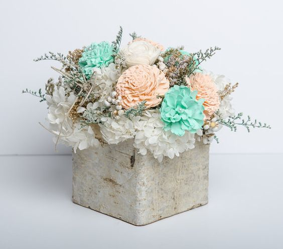 Birch, sola flower and preserved hydrangeas #bycarolinarosadesigns