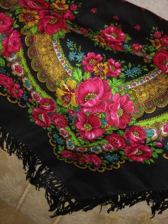 Платок маков цвет