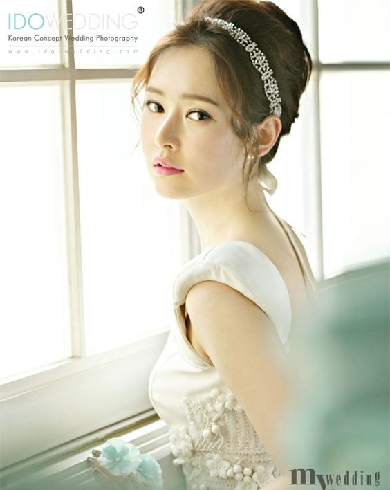 Korean Bridal Makeup 2018 : Hair makeup, Korean wedding and Korean makeup on Pinterest