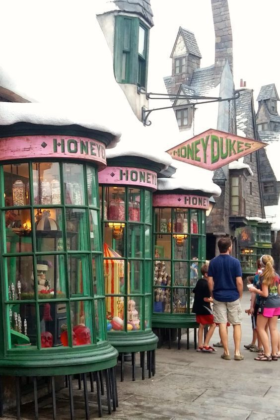 Wizarding World Of Harry Potter Souvenir Shops Universal Studios Harry Potter Universal Studios Harry Potter Universal Harry Potter Orlando