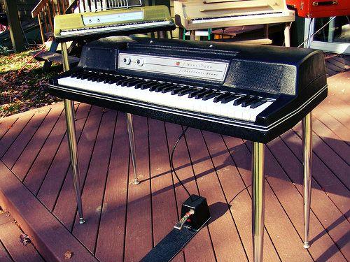 #Wurlitzer 200A Electric #Piano - In production (1972-82)