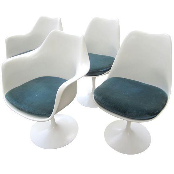 Eero Saarinen For Knoll 2 Arm 2 Armless Set Of 4
