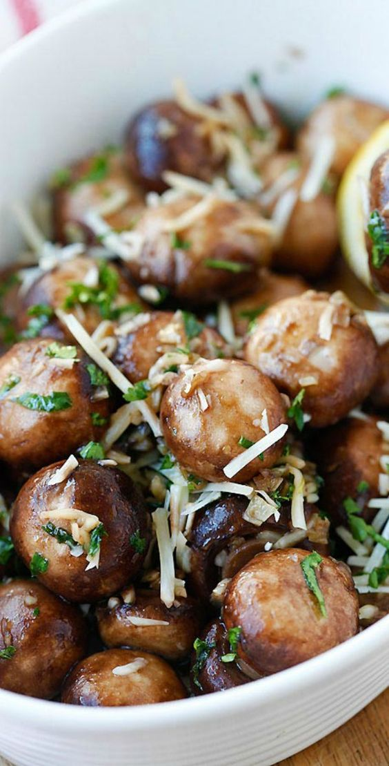 parsley chicken with garlic basil and parsley sauteed mushrooms with ...