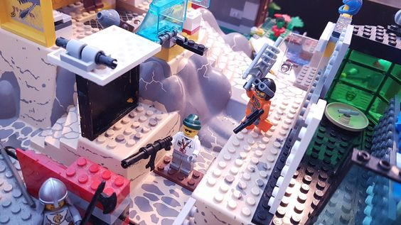 Reports From the Field: BrikWars... Battle Royale-ish Battle... Stuff?, by TheLEGObrick