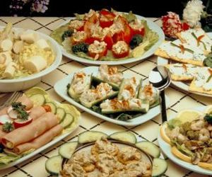 Menu ideas for food for an adult birthday party for Small birthday party ideas for adults