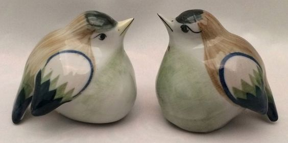 Set Of Figural Birds Salt & Pepper Shakers Gray Blue Green Brown Round Belly