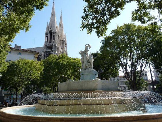 Fontaine des Danaïdes et église Saint-Vincent de Paul Marseilles: