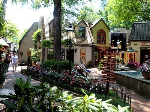 Downtown Gatlinburg Tennessee | ... Gatlinburg | Inside Gatlinburg TN - Gatlinburg Coupons, Gatlinburg
