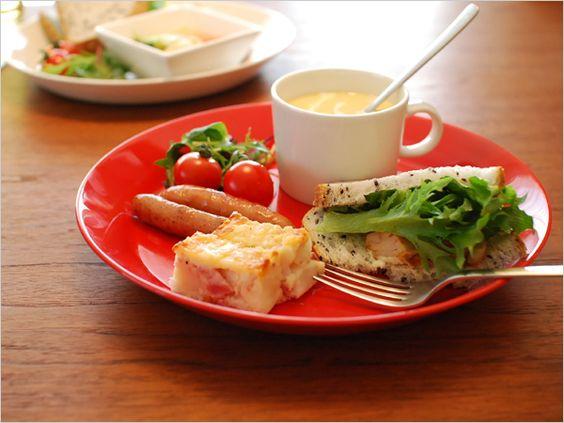 どうもボリュームがないという場合は、カップにスープやドリンクを入れて、ワンプレートに加えてもいいですね。