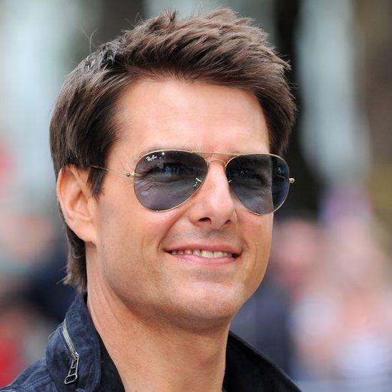 Tom-Cruise-London-Premiere-Rock-Ages-Video.jpg 550