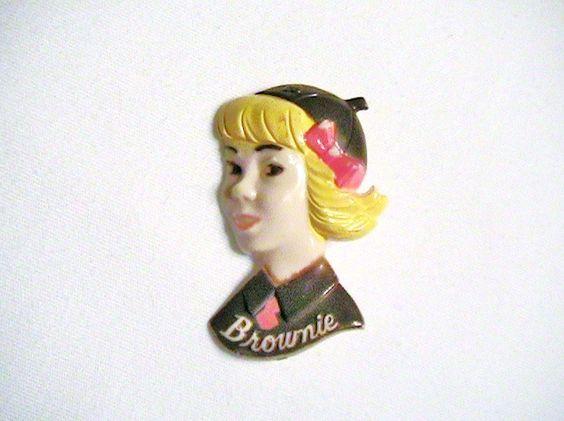 1940's Vintage Girl Scout Brownie Pin