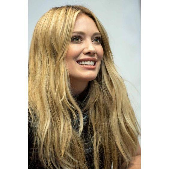 US-Star Hilary Duff liebt ihre honigblonde Traummähne
