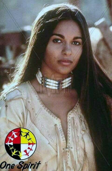 Absolutely Beautiful Native American Girls Native American Women American Indian Girl