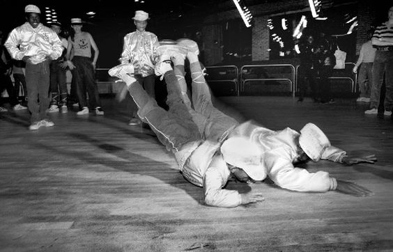 Vintage Breakdancing/hire someone to give breakdancing lesson