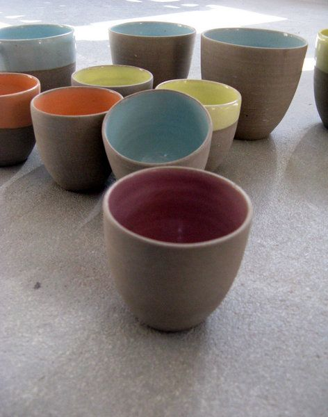 A new color is added to the stone & color collection!!  We already had pastel mint green,orange and yellow and here we have......powdery lilac!! in combination with my cool grey stoneware claybody...