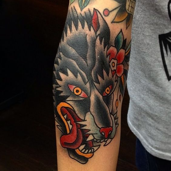 Traditional wolf tattoo by vesko tattoos pinterest for Wolf tattoo traditional