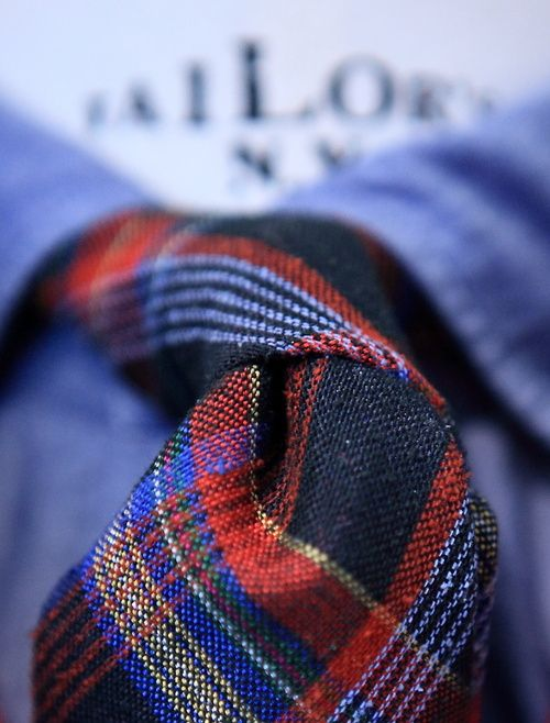 landerurquijo:    Try a tie like this for a casual outfit.