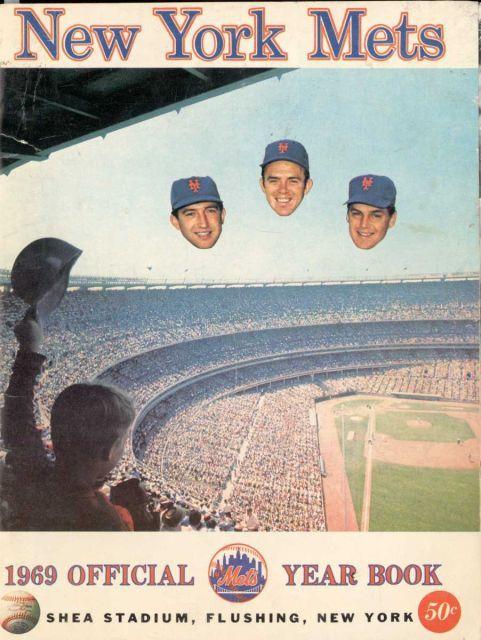 Every Mets Yearbook In Team History In 2020 New York Mets Baseball Mets Major League Baseball Stadiums