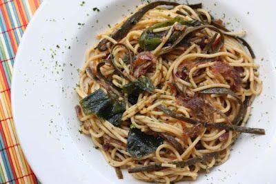 Vegan Taste of the Sea Seaweed Spaghetti Pasta using Atlantic Kitchen Seaweed by @shaheenA2K h
