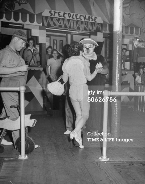 skirt blowing machine amusement park