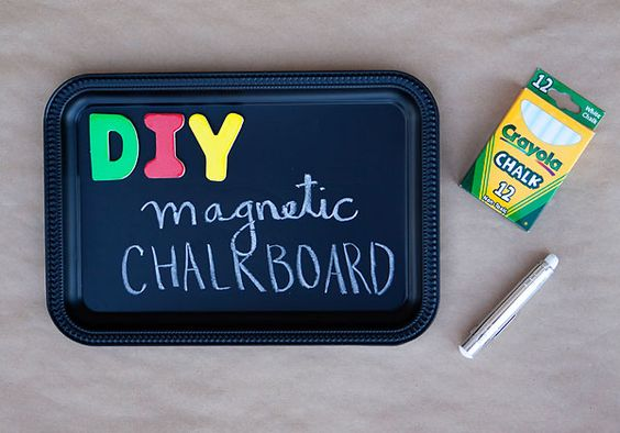armelle blog / diy: magnetic chalkboard trays perfect for summer road trips
