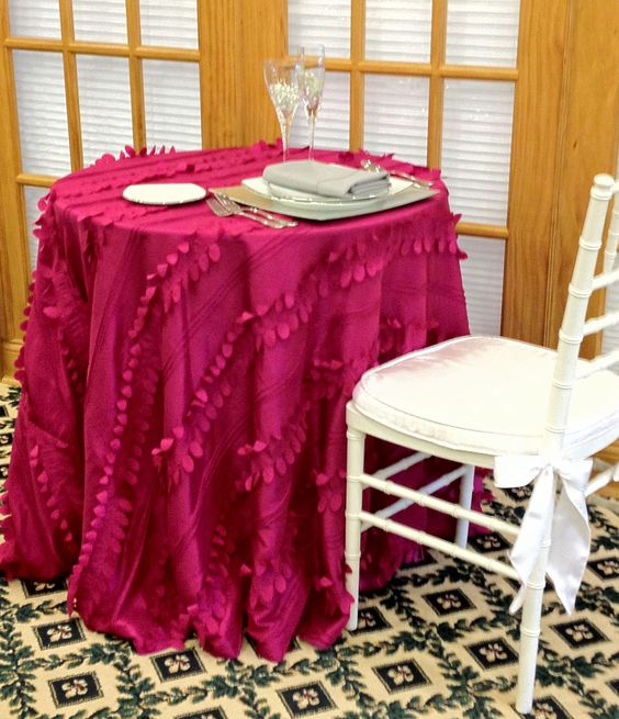 Featured style of Fuschia Cascade, kicked up a notch with the addition of a white chivari chair, with white cushion.  This style also looks great with a Natural Chivari chair and crisp white cushion as well.