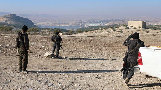 """En tierra de nadie: """"Turquía quiere detener a los kurdos para ayudar al EI en el norte de Siria"""""""