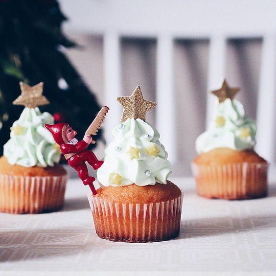 """""""* * Christmas Tree Cupcakes  * * クリスマスツリーに見えるかな?なカップケーキ。 * * * ▼▼▼"""""""