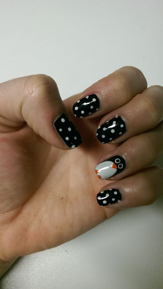 Penguin nail design! Love it, and doesn't look too hard. :)