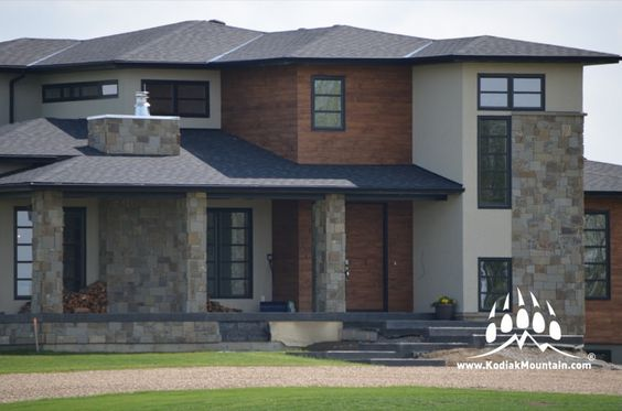 A gorgeous new home in Raymond Alberta has been adorned with our Hillside Blend of Natural Stone. www.KodiakMountain.com