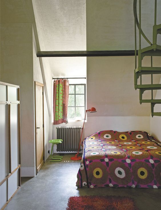 Pop Art In one bedroom, on the bed   Small space