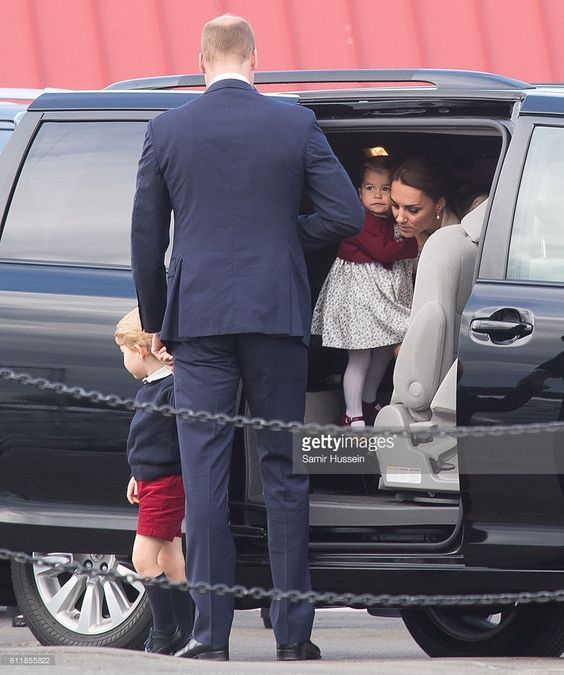 Catherine, Duchess of Cambridge, Prince William, Duke of Cambridge, Prince George of Cambridge and Princess Charlotte of Cambridge arrive to depart Victoria by sea plane on October 1, 2016 in Victoria, Canada.: