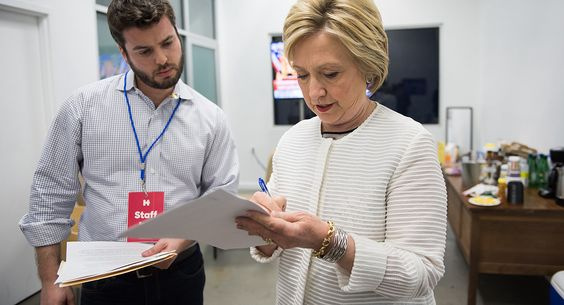 #REPORT: #Hillary deeply insecure when trying to commit to message about her #campaign...