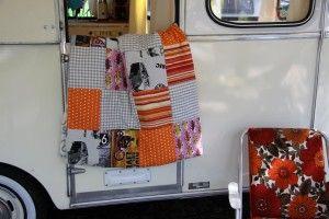 Vintage-Caravan.de  Patchwork-Decke - stilsichere Retro-Ausstattung für einen Oldtimer-Wohnwagen