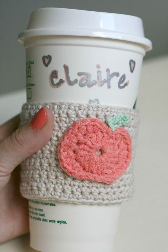 DIY Crochet Pumpkin Coffee Cup Sleeve - | Crochet Pumpkin, Coffee Cups ...