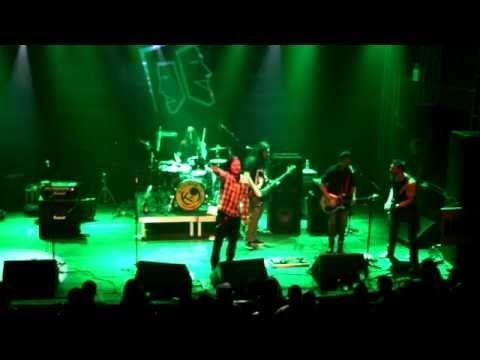 Grunge Town - Pearl Jam Tribute Show (Rock n' Bira festival, Opinião, Porto Alegre, Brazil) - YouTube.