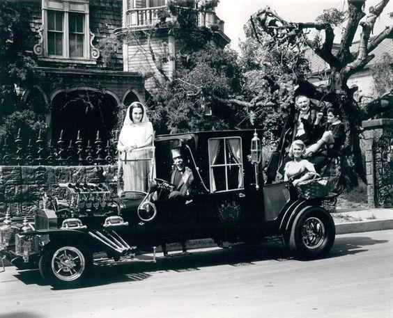 """1960's TV Sitcom """" The Munsters """" Cast"""