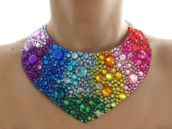 Diamantes de imitación brillantes arco iris Jeweled collar declaración, Rhinestone colorido babero collar, arco iris declaración collar, collar babero de arco iris