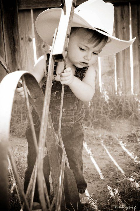 :D: Lil Cowboys, Photo Ideas, Country Boy, Baby Cowboy, Cowboys Cowgirls, Little Cowboys, Cowboy Kids, Cowboy Helping