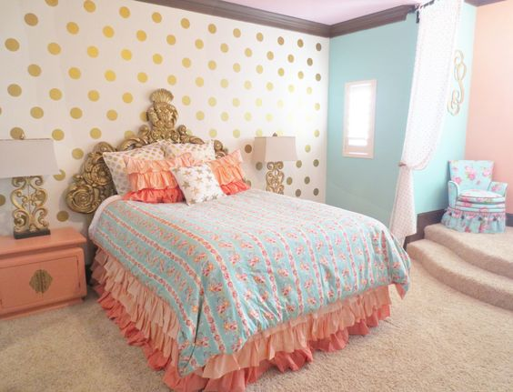 Coral, Aqua and Gold Big Girl Room - love the polka dot accent wall!